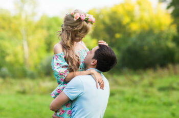 what do men look for in the early stages of dating?