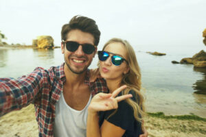 Obvious Signs a Man Wants to be With You